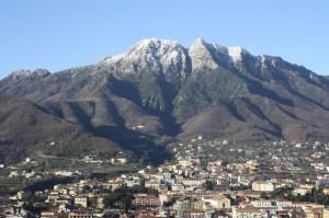 Cava de' Tirreni e il monte Finestra