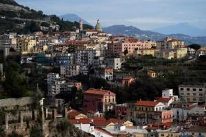 Vietri all'inizio della Costiera Amalfitana