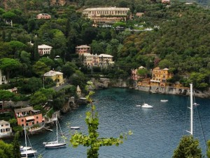 dal castello una baia di Portofino