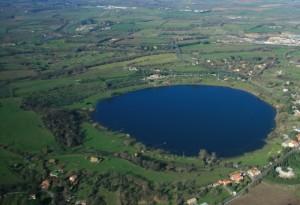 Il lago di Monterosi