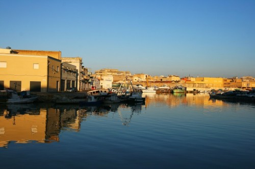 Mazara del Vallo - il porto si specchia