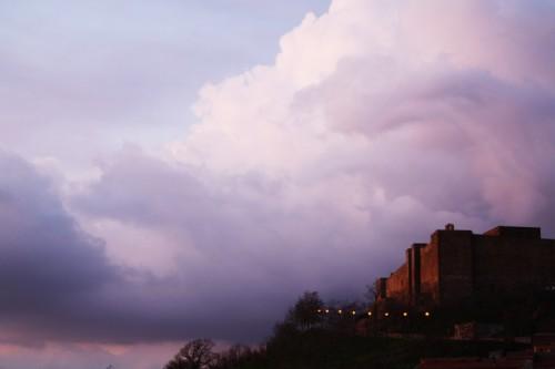 Avigliano - il Castello di Lagopesole da casa mia...riveduto e corretto