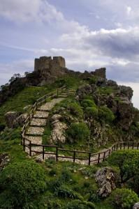 Salendo per il Castello Belvedere