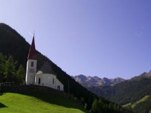 c'e' una chiesetta piccolina…