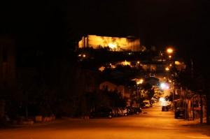 il castello di Lagopesole e il suo paese