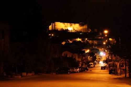 Avigliano - il castello di Lagopesole e il suo paese