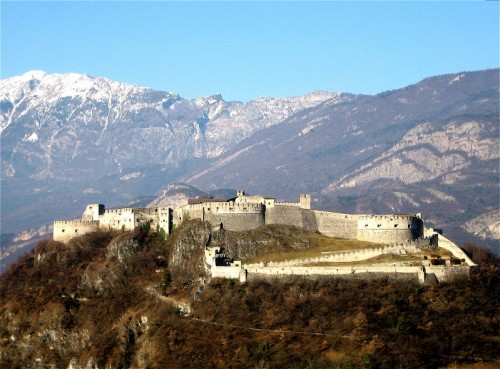 Besenello - Castel Beseno , lato est 1