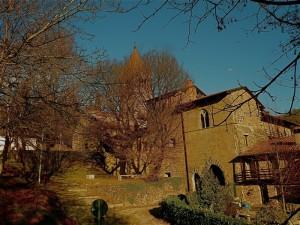 il castello e l'antica abazia di fontanella