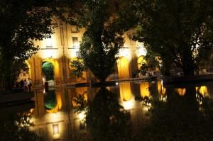 Palazzo La Pilotta in notturna