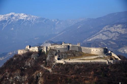Besenello - Castel Beseno - vista di insieme