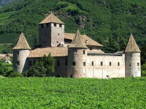 Bolzano - Un castello in città