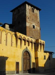 Rocca Strozzi….davanti liceo….