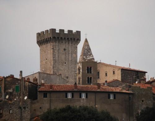 Capalbio - capalbio e il suo castello