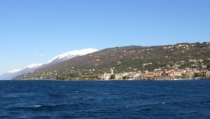 Torri del Benaco e il Monte Baldo