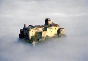 magico castello sulle nuvole