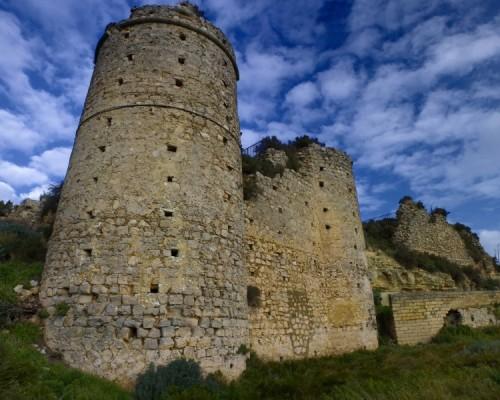 Licodia Eubea - Il silenzioso passato del Castello Santapau risuona incessante dentro