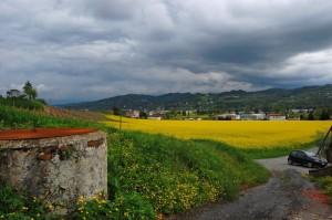 tra la campagna e le nuvole