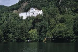 La Badia di san Michele sul lago di Monticchio