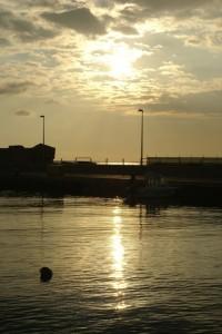 Riflessi di luce nel lungomare di San Leone