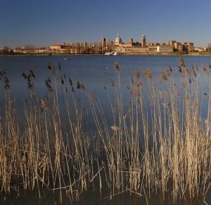 Lungo le rive del Mincio, la città dei Gonzaga