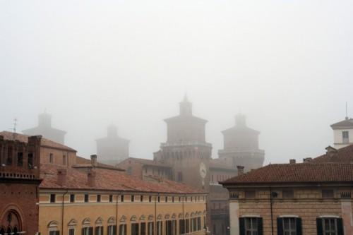 Ferrara - Il castello nella nebbia
