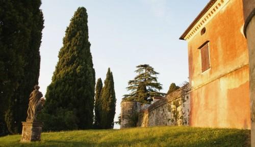 Premariacco - parte della Rocca Bernarda dal giardino