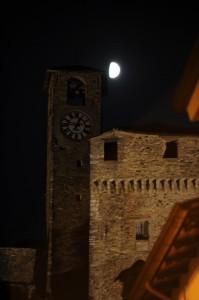 parte del castello con luna