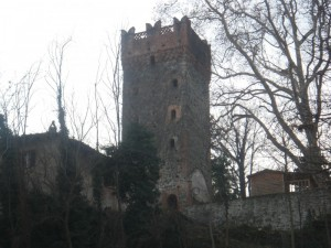 Torre a pianta quadrata