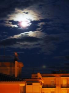Notturno a Siracusa e la luna