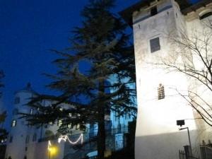 Cala la sera sul castello di San Michele all'Adige