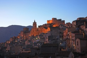 Borgo Medievale di Caccamo (PA) by night