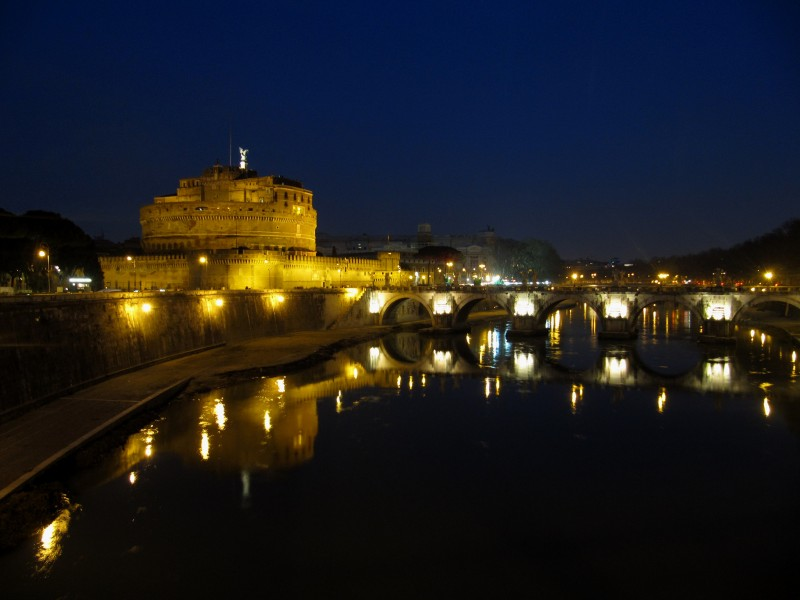 ''amoR'' - Roma
