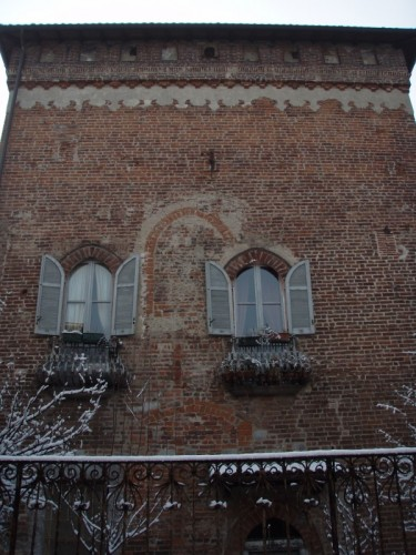 Locate di Triulzi - Due romantiche finestre