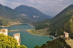 Castel di Tora e il Lago