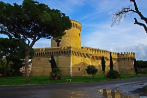 il castello visto dai scavi di Ostia Antica