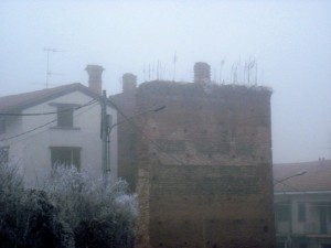 Mura nella nebbia