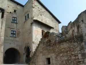 fiori freschi per vecchi castelli