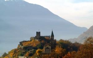 Panorama su castello e chiesa
