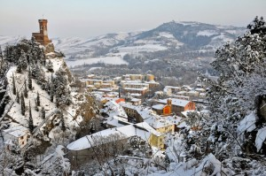Brisighella la torre e la neve