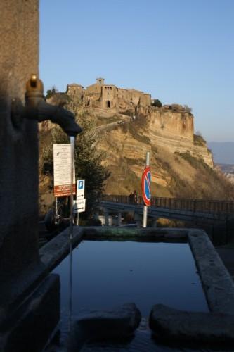Bagnoregio - Civita di Bagnoregio. L'acqua è vita e morte.
