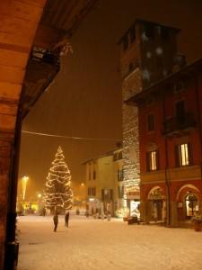 natale 2009.la piazza coperta di neve