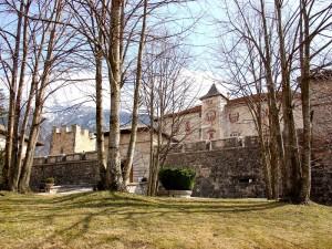 il castello di Thun dal parco
