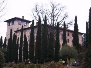 Il Castello Del Casiglio Risale Al Xiv Secolo