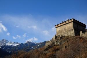 La fortezza domina sui monti