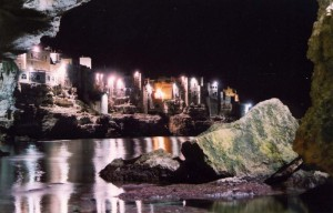 dentro una grotta