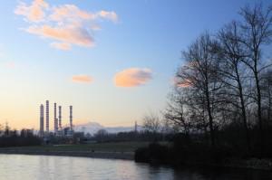 L'imbrunire tra natura ed industria