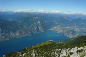Vista del Garda Trentino dal Rifugio Altissimo - Monte Baldo