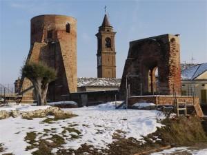 torrione e mura del 1300…..