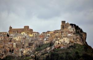 La Rocca e l'antica Torre Normanna!
