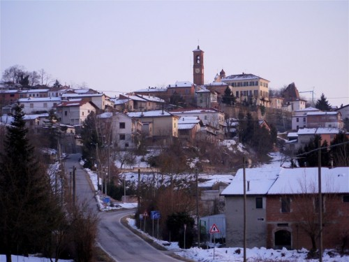 Cortiglione - su.. per la collina...